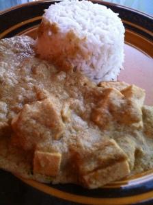 Obs! Det här är en tofu amok, som vi gjorde inspirerade av fish amok i Kambodja, men fy sjutton vad äckligt det blev. Sött och grynigt!